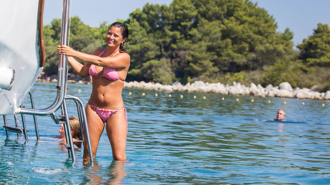 2 girls ada bojana beach - 5 1